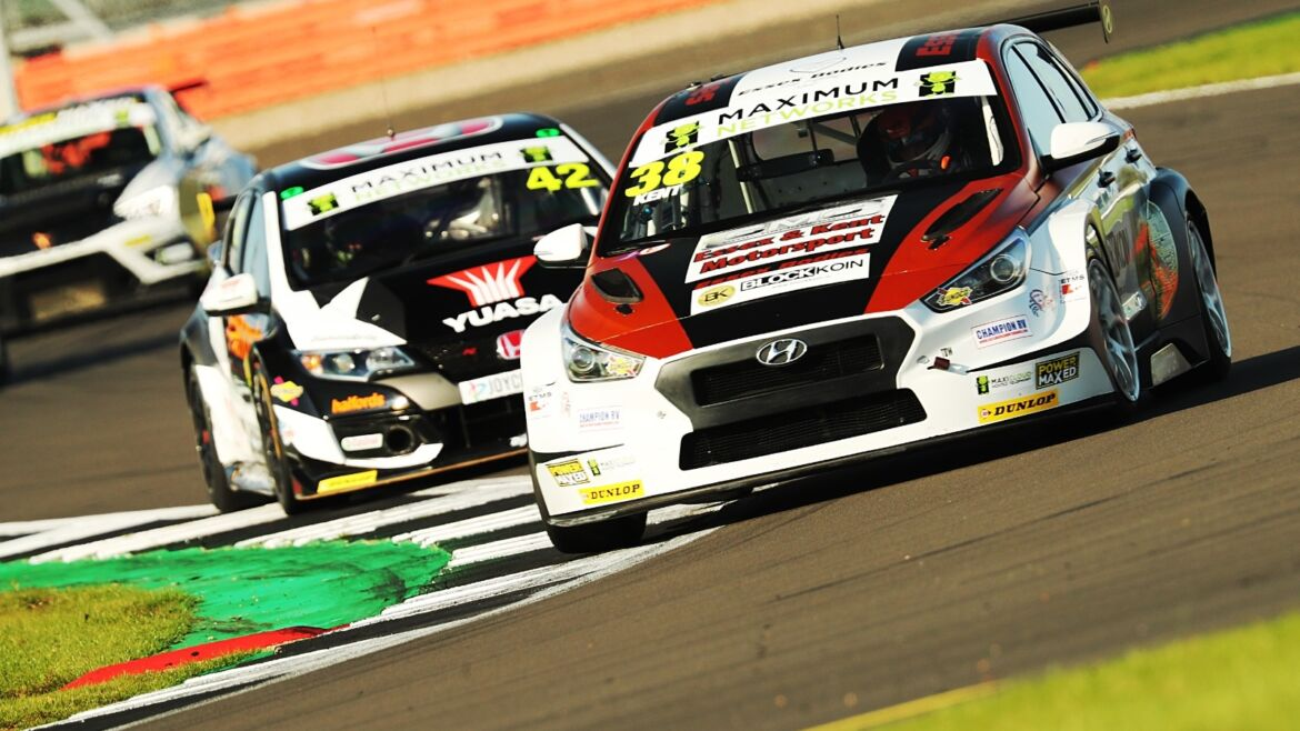 Spectacular Silverstone sees Commanding Kent Performance