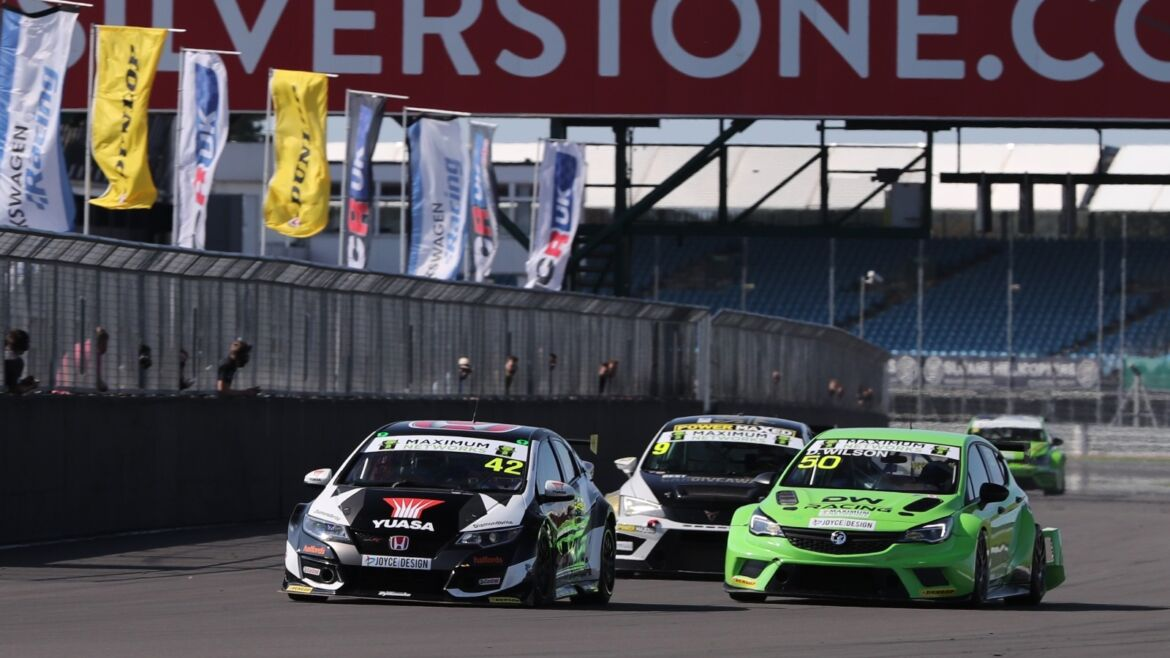 Neal Wins after Dramatic Opening Race at Silverstone