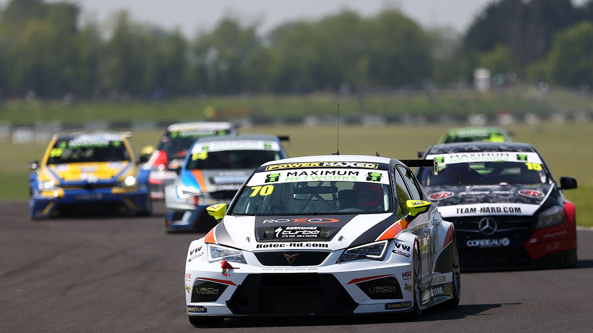 Oulton Park Welcomes a Record Grid for Goodyear TCT / TCR UK